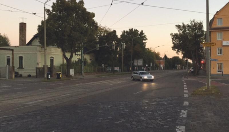 Straßenausschnitt   Leistungsfähigkeitsbetrachtungen für das Stadtbahnprogramm Halle, Merseburger Straße